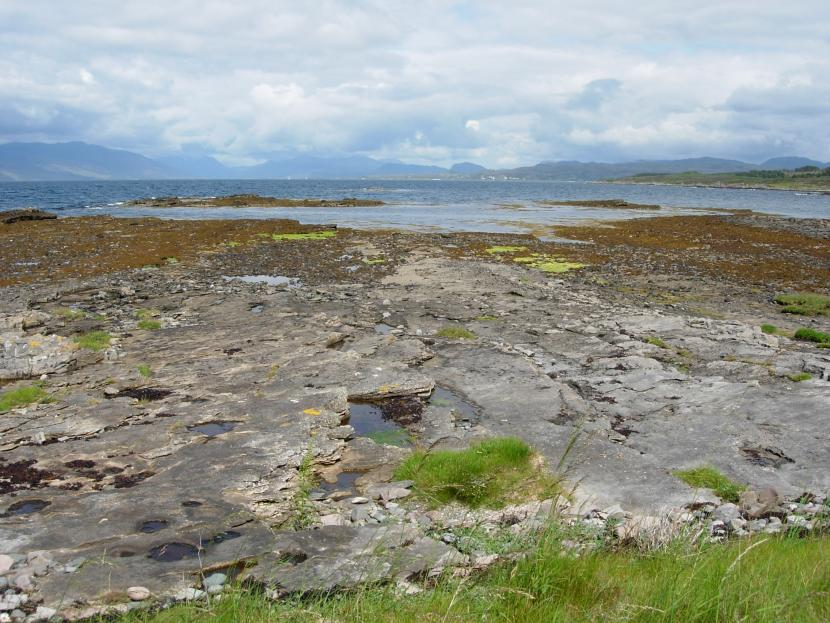 A stretch of rocky beach near Broadford, Skye.  The fossil remains of Jurassic sea creatures occur in this area which is a Site of Special Scientific Interest (SSSI).  ©Colin MacFadyen/SNH