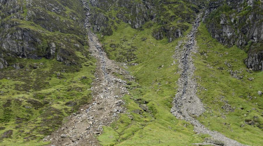 Landslips at Coire Fee National Nature Reserve, Glen Doll, Angus. August 2015 ©Lorne Gill/SNH. For information on reproduction rights contact the Scottish Natural Heritage Image Library on Tel. 01738 444177 or www.nature.scot