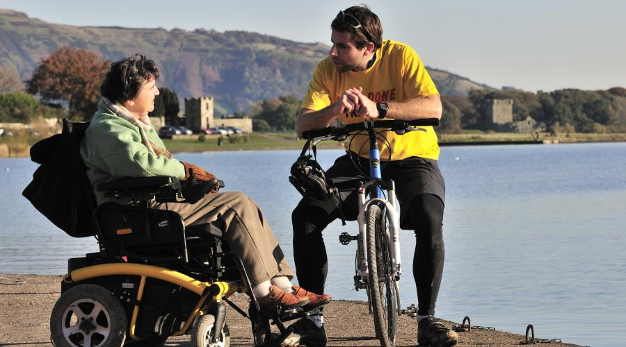 Kitty Walker from the Forth and Tay disabled ramblers group and Mark Beaumont round the world cyclist at Loch Leven NNR. ©Lorne Gill/SNH. For information on reproduction rights contact the SNH Image Library on Tel. 01738 444177 or www.nature.scot
