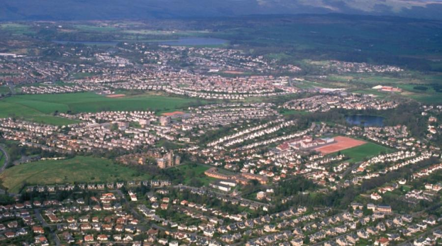 Aerial view of Glasgow suburbs. ©Lorne Gill/SNH. For information on reproduction rights contact the Scottish Natural Heritage Image Library on Tel. 01738 444177 or www.nature.scot