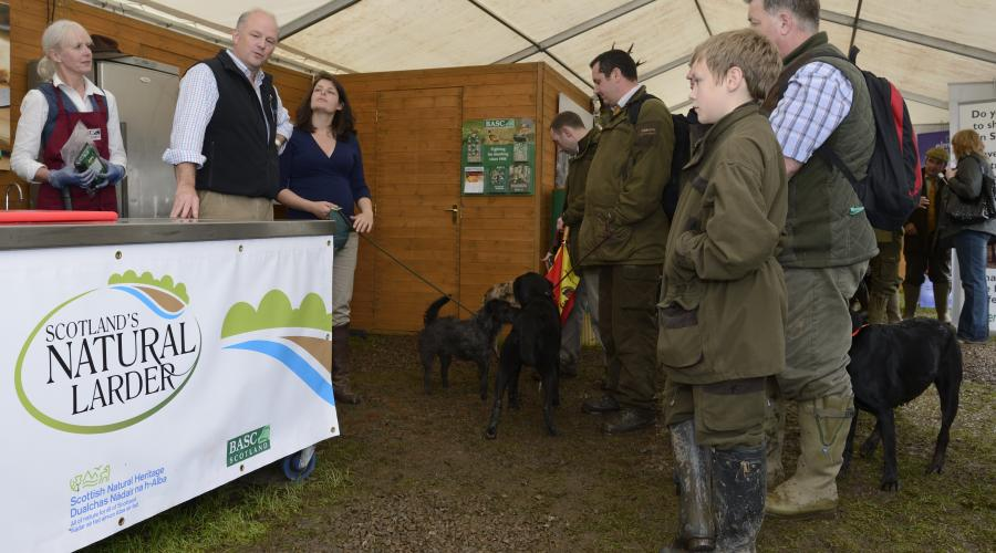 Pete Moore SNH at the Launch of Scotland's Natural Larder,a joint initiative between SNH & BASC at the Scottish Game Fair. ©Lorne Gill/SNH. For information on reproduction rights contact the SNH Image Library on Tel. 01738 444177 or www.nature.scot