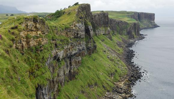 Sea cliff near the Kilt Rock, Isle of Skye. ©Lorne Gill/SNH. For information on reproduction rights contact the Scottish Natural Heritage Image Library on Tel. 01738 444177 or www.nature.scot