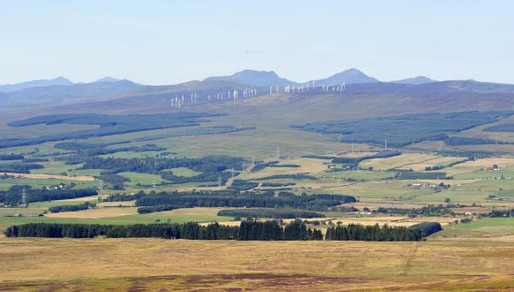 The Braes of Doune windfarm from Mickle Corum in the Ochil Hills. September 2015 ©Lorne Gill/SNH. For information on reproduction rights contact the Scottish Natural Heritage Image Library on Tel. 01738 444177 or www.nature.scot