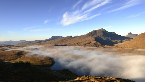 The crag top trail shrouded in mist - Knockan Crag NNR. ©Lorne Gill/SNH. For information on reproduction rights contact the Scottish Natural Heritage Image Library on Tel. 01738 444177 or www.nature.scot