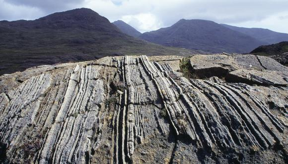 Layered gabbros and peridotites on the western slopes of the Rum Cuillin. ©Lorne Gill/SNH For information on reproductiuon rights contact the Scottish Natural Heritage Image Library on Tel. 01738 444177 or www.nature.scot
