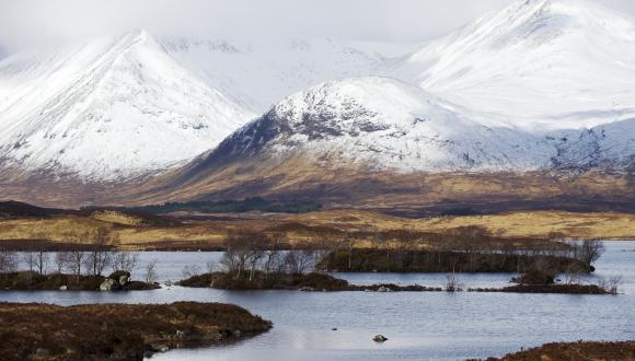 Rannoch Moor and the snow covered hills of Blackmount, West Highland. ©Lorne Gill/SNH.